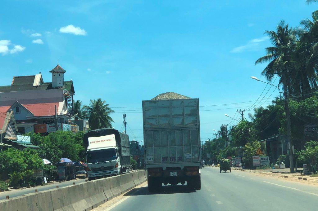 Quốc lộ 1A: Người dân bất an, phập phồng khi lưu thông